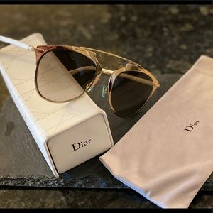 Authentic 🙌 Dior SoReal Sunglasses 🕶
